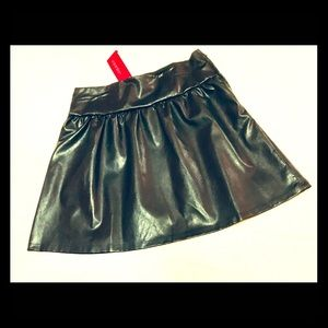 Girls faux leather skirt New never worn